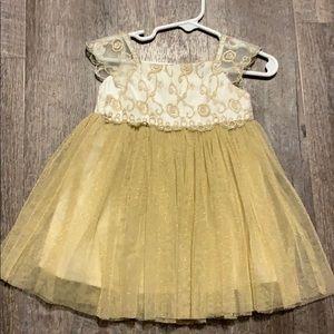 Beautiful spring/wedding dress-worn once